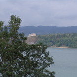 zamek w Czorsztynie widziany z Niedzicy