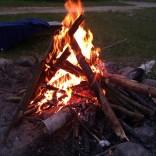 dodam tylko, że drewno na ognisko z lasu nosiły baby :)